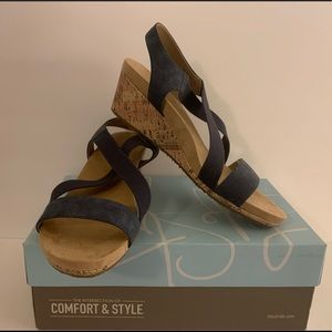Life Stride Mexico Black Wedge Sandals New in Box!